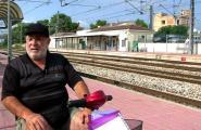 Un veí de l'Ametlla de Mar lluita per millorar l'accessibilitat de l'estació de RENFE