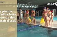 La piscina acull la festa cloenda dels casals d'estiu