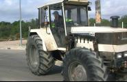 Inspecció mòbil de tractors i ciclomotors a l'aparcament d'entrevies