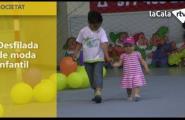 Desfilada de moda infantil al poliesportiu