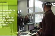 Alumnes de la Facultat de Turisme i Geografia de la URV visiten l'Oficina de Turisme