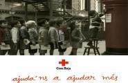 Creu Roja i el Banc Santander recullen joguines i aliments