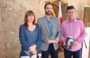 Yannick Garcia Porres rep  el Premi de Narrativa Vila de l'Ametlla de Mar