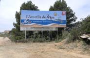 Nova imatge de la Cala al cartell indicatiu de l'Autopista