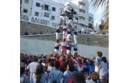 Los Xics Caleros a punt per la Diada Castellera a l'Ampolla