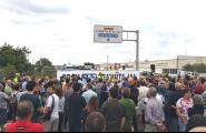 Més de 200 persones tallen l'N-340 a l'Ametlla de Mar