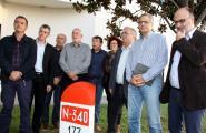 Els alcaldes afectats per l'N-340, enutjats per la reaparició dels cons per regular el trànsit