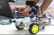 La robòtica entra a les aules de l'Institut