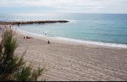 Medi Ambient posa a punt les platges de la temporada de bany