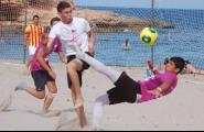 Segueix la febre del futbol platja a Pixavaques